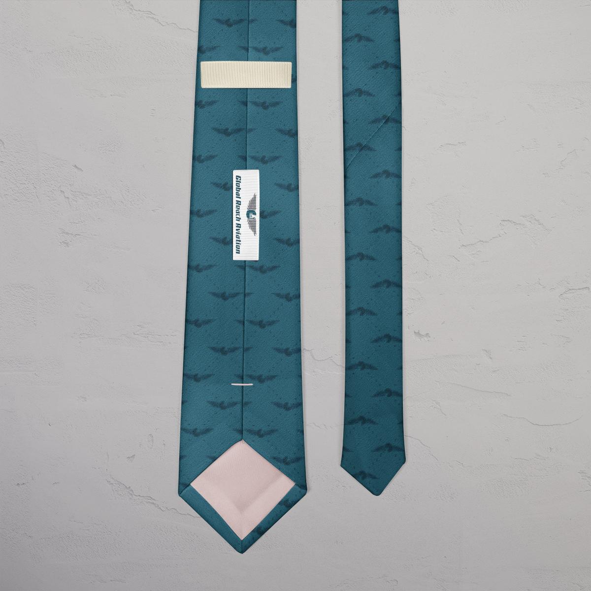 Design af slips til Global Reach Aviation lavet af Little Creature Ink